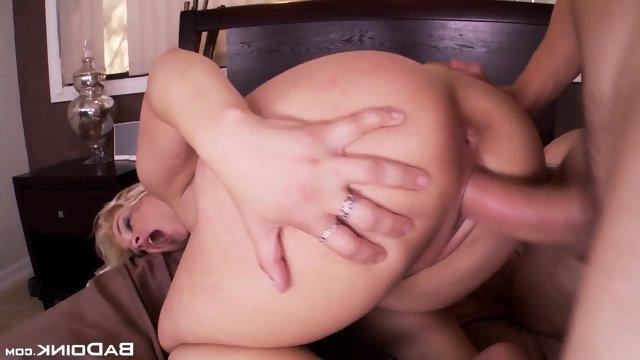 Гиг Порно Пухлая тёлка подмахивает толстой задницей во время жесткой ебли 1080 Full HD Блондинки Порно Звезды гигпорно видео