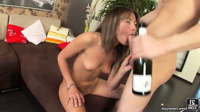 Первый анальный опыт в зрелом возрасте порноролики бесплатно