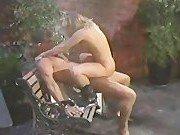 Скамеечка в парке для сношения порно модели
