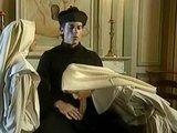 Католические монашки и священник пробуют запретный плод :)