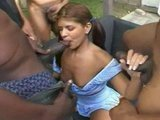 Порно секс: Маленькую бедную девочку нашпиговали спермой с кучи членов