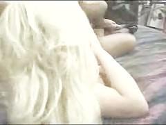 Большегрудая блондинка пришлась по вкусу мужику всеми своими роскошными формами. И он спешит жадно и жестоко отыметь ее, вторгаясь мускулистым пенисом!