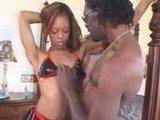 Чернокожая сучка получила свою дозу жесткого анального секса