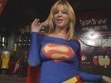 Грудастая подруга супермена может показать и супер-секс :-D