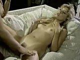 Винтажное лесбо порно со знаменитыми мохнатками того времени