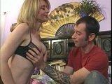 Гиг Порно красивые дамы Старая изголодавшаяся тётка даёт молодому пареньку