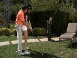 Грудастая поно звезда Алектра Блоу берет уроки игры в гольф