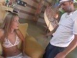Разогретая блондиночка обильно кончает и ссытся кипятком :)