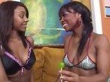 Молоденькие негритянки со своей шоколадной лесбийской любовью