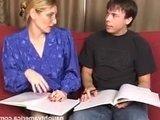 Зрелая дамочка учительница соблазнила своего молодого студента