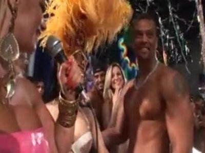 Порно на дискотеке в бразилии