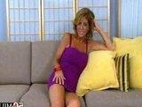 Гиг Порно трогают киски Стареющая дамочка в годах не растеряла жажду к хорошему сексу