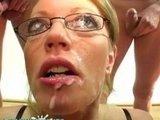 Британская порно актриса насосала целую гору фаллосов :)