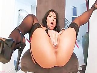Порно видео мулатка мастурбирует в чулках фото 451-490