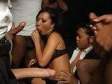 Групповуха с порно звездой на деловой вечеринке