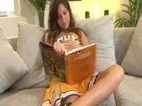 Порно моделька Лиз Тайлер в роли примерной и сладкой студенточки