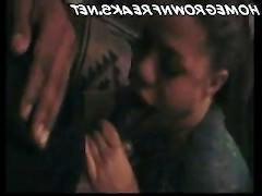 Хуй мужика попал в рот к озабоченной чернокожей шлюшке