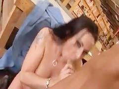 Гиг Порно  Подборка траха зрелых офисных баб с молодыми парнями на рабочих местах