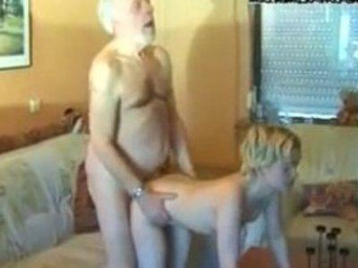 ->-->어린 소녀와 노인 포르노 무료 동영상 HPG 포르노 [28 : 20x246p]