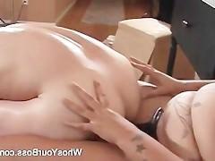 Скачать бесплатно порно видео 3gp страпон бабы жестко ебут мужика дилдо