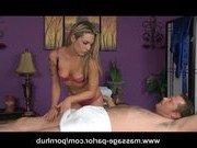 Порно звезда сделала массаж с сексом