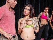 Порно модель в качестве инструктора по танцам
