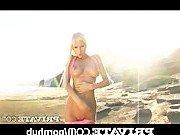 Блондинка считает пляжный секс удивительным