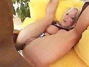 Гиг Порно  Порно звезда умеет закидывать ноги за голову