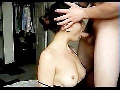 Гиг Порно  Частное видео - девочка в сексуальном платье трахается с другом