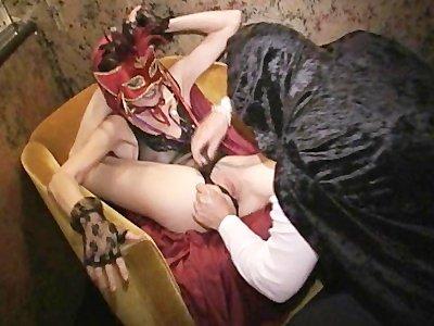 Видео эротика костюмированная вечеринка фото 699-367