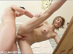Очень красивый страстный молодёжный секс в hd