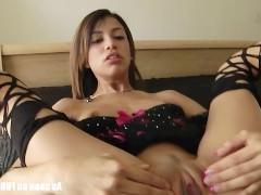 Гиг Порно  Зрелая латинская порно звезда поражает партнера своим развратным нижним бельем