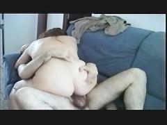 Толстая зрелая баба познакомилась с мужиком в баре и повела домой трахаться