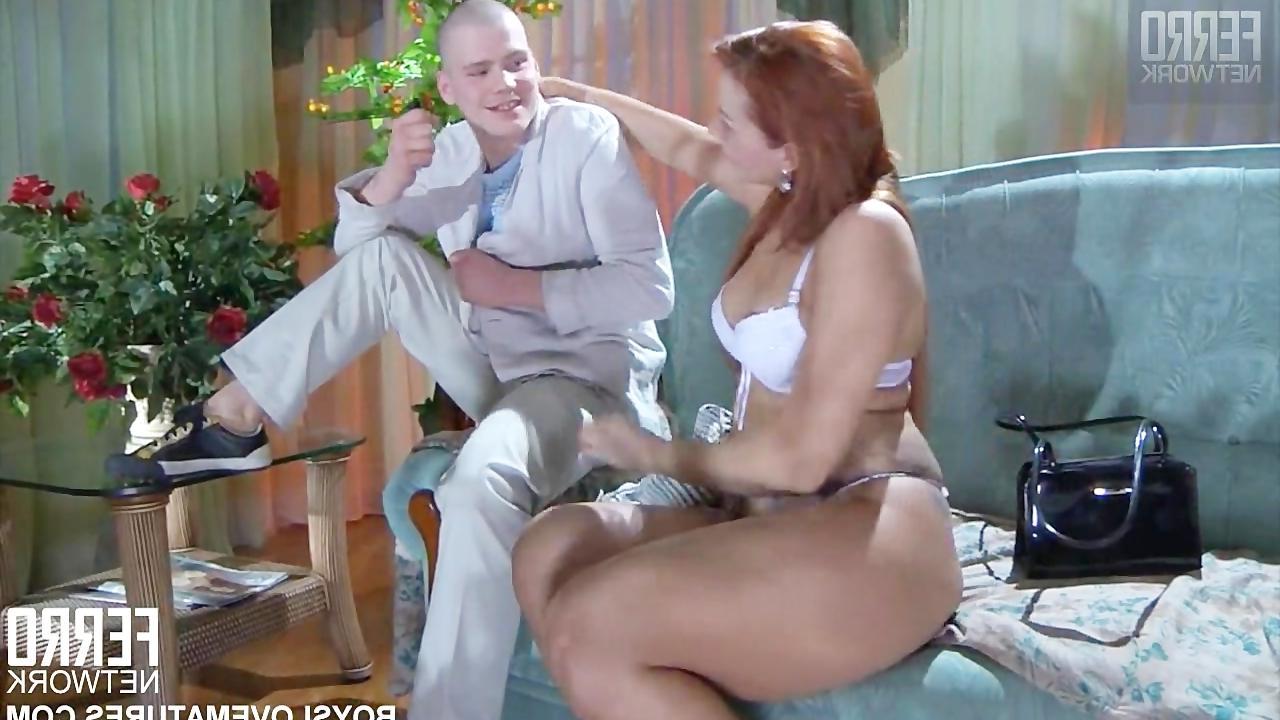 секс смотреть онлайн зрелая русская соблазняет