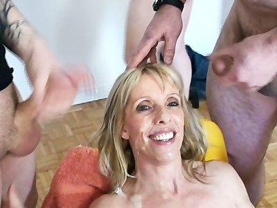 бесплатно онлайн смотреть порно облили спермой