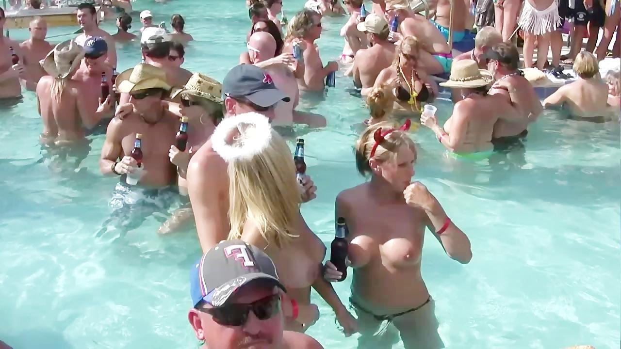Смотреть бесплатно видео голые на вечеринке фото 104-324