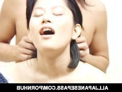 Зрелая японка обожает изощренный и разнообразный трах со своими любовниками