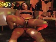 Подборка горячих и развратных сексуальных сцен с участием зрелой порно модели