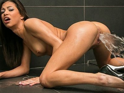 порно в ванной оргазм фото