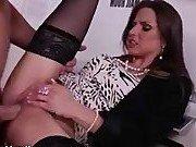 Порно модель согласилась на секс в офисе с парнем