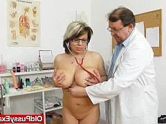 Смотреть видео на приеме у гинеколога секс