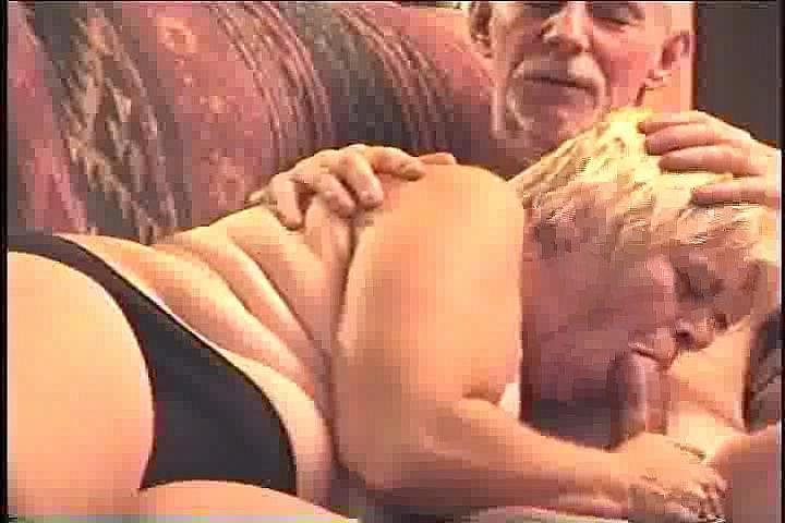Порно ролики обоюдный оральный секс с трансвеститом