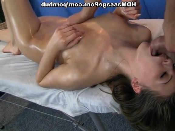 масажист жестко трахает