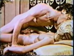 Сборка страстного любительского секса с красивыми зрелыми женщинами 70-х годов