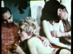 Жаркая подборка разных видов ретро секса в стиле 70-х годов прошлого века
