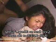 Молодая азиатская любительница вынуждена получать жестокую еблю в жопу раком
