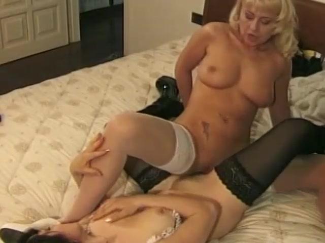 Секс с зрелой-лесби