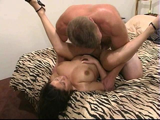смотреть бесплатно фото секса лижут жопу