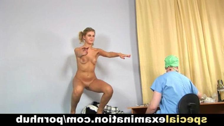 Молодая блондинка у врача лесбеянки фото 739-574
