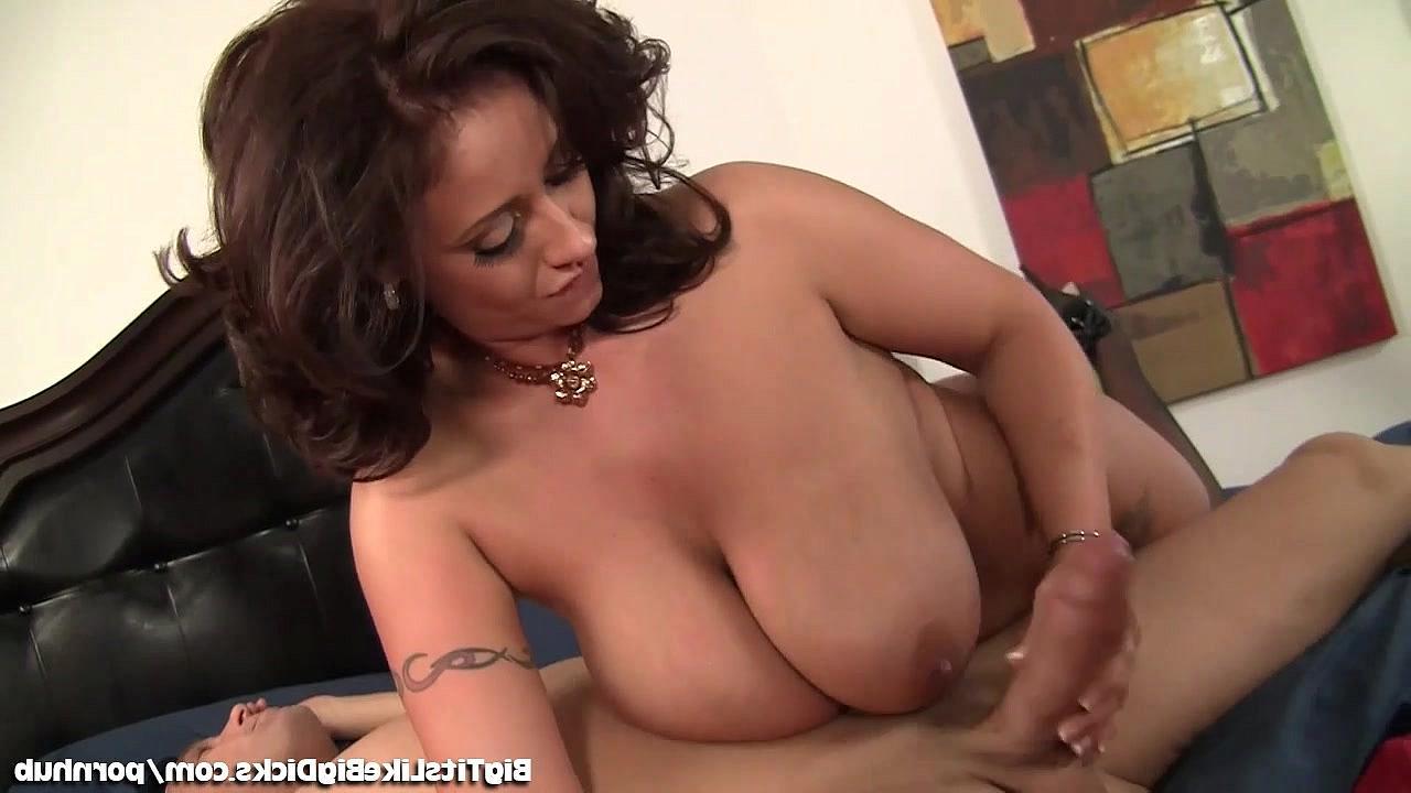 видео женщины збальшими сиськами секс видео